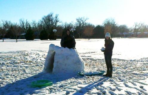 Christmas snow fort-w
