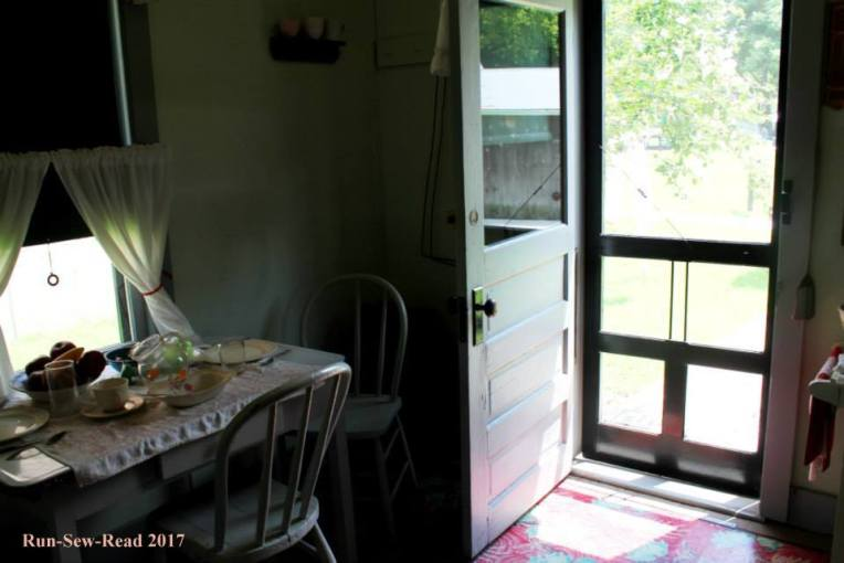 1920s kitchen table