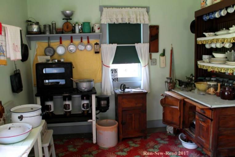 1920s kitchen