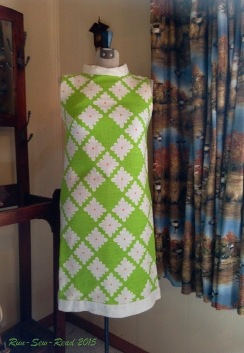vintage-dress-green-daisies RSR