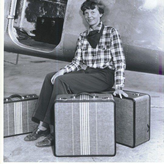 amelia-earhart-travel-luggage