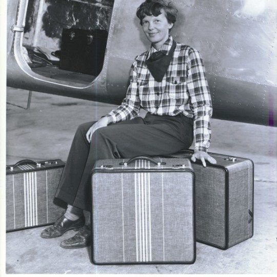 amelia-earhart-travel-luggage