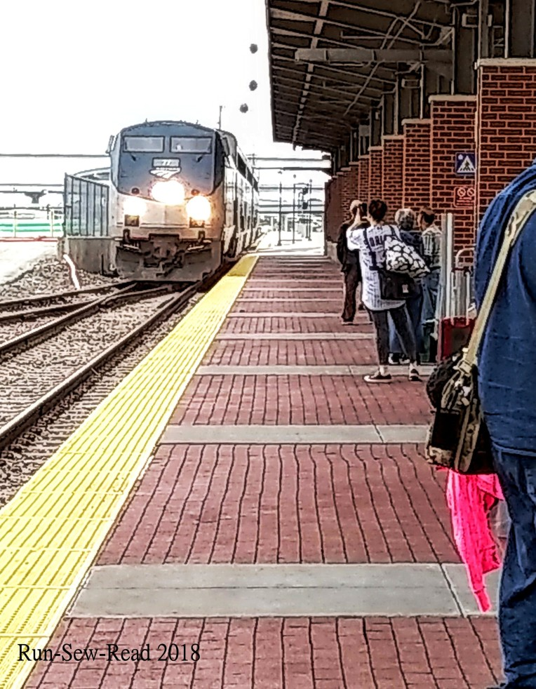 Amtrak train approaching Ft Worth 2