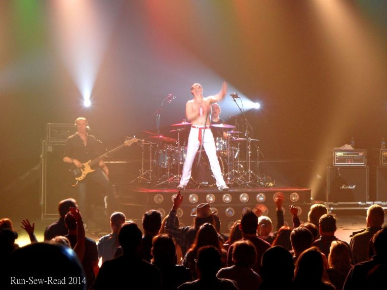 Queen Gary Mullen tribute