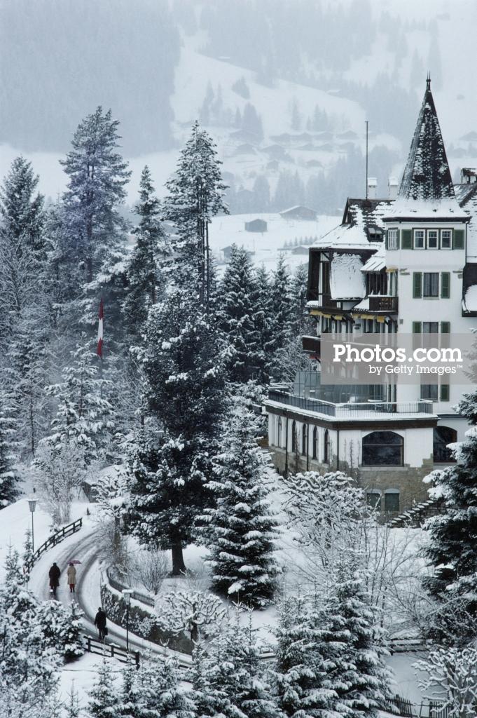 Slim Aarons Swiss hotel